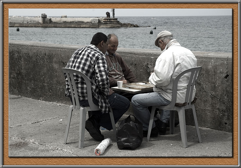 Shesh-besh at the harbour of Jaffa