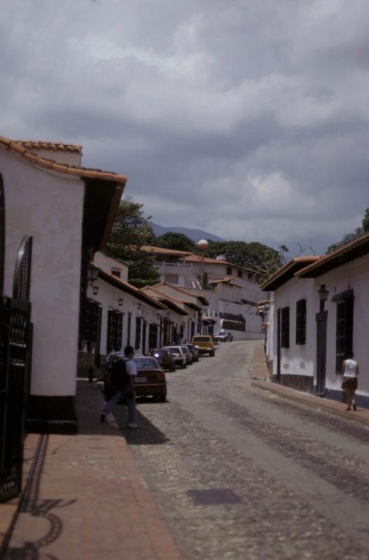 Oswaldo et Ourida investir le village