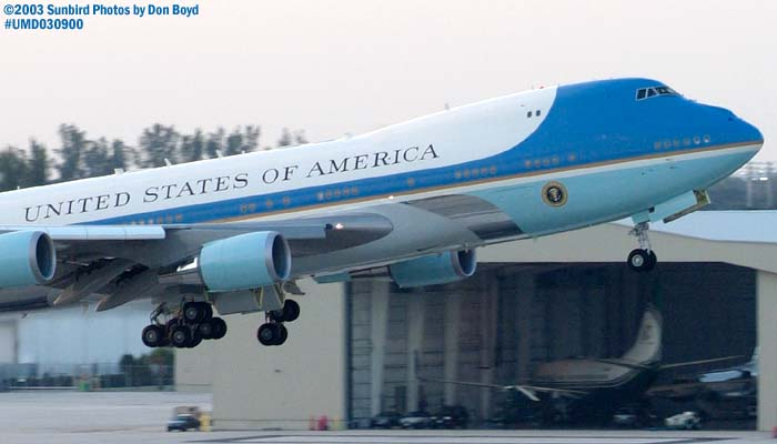 USAF VC-25A 92-9000 (29000) Air Force One departing with President George W. Bush onboard stock photo #7104