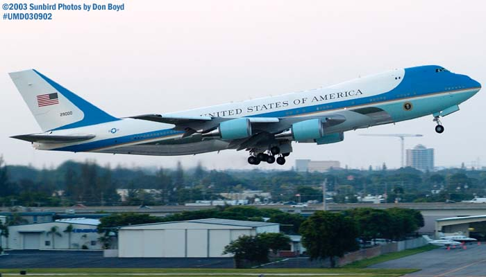 USAF VC-25A 92-9000 (29000) Air Force One departing with President George W. Bush onboard stock photo #7106