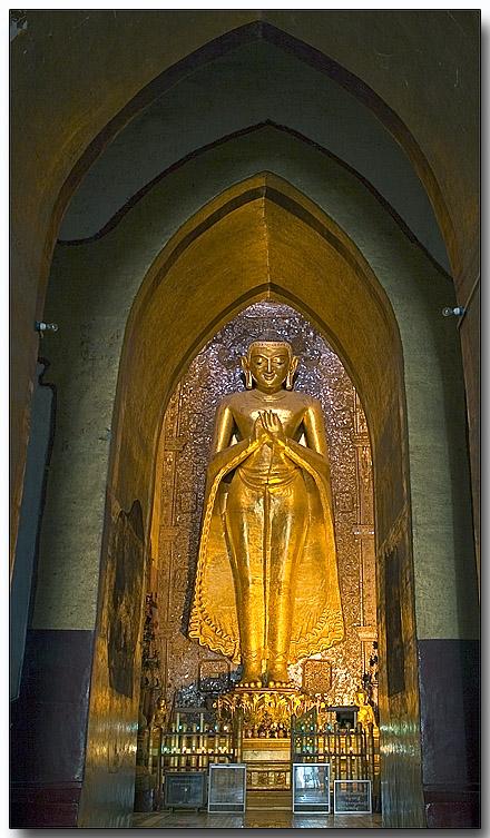 Buddha in a side gallery - Bagan