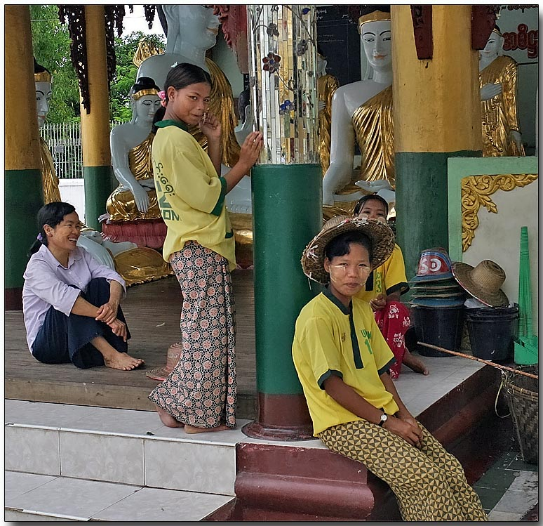 Young Burman ladies, Yangon