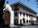 Ermita de San Miguel (left) and Juzgado de La Laguna Convento de Santa Catalina