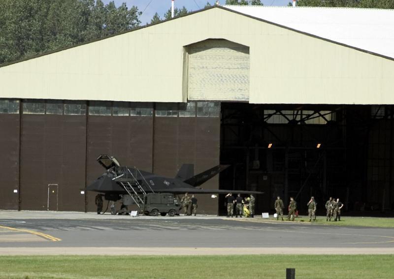 Lockheed F-117A Nighthawk (4)
