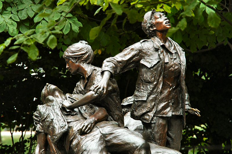 Vietnam War Nurses Memorial 2077