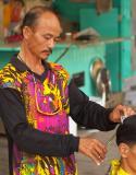 Street Barber-Hanoi