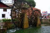 water wheels lijiang.jpg