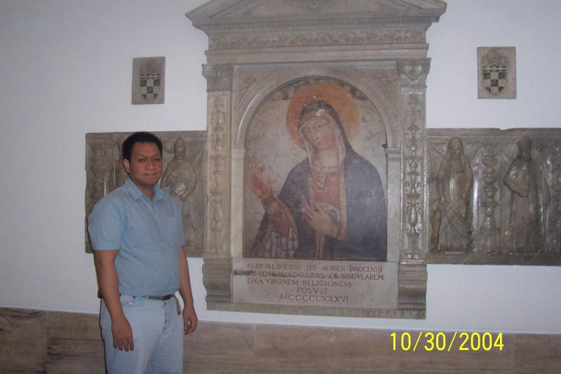 Under St. Peters Basilica 4