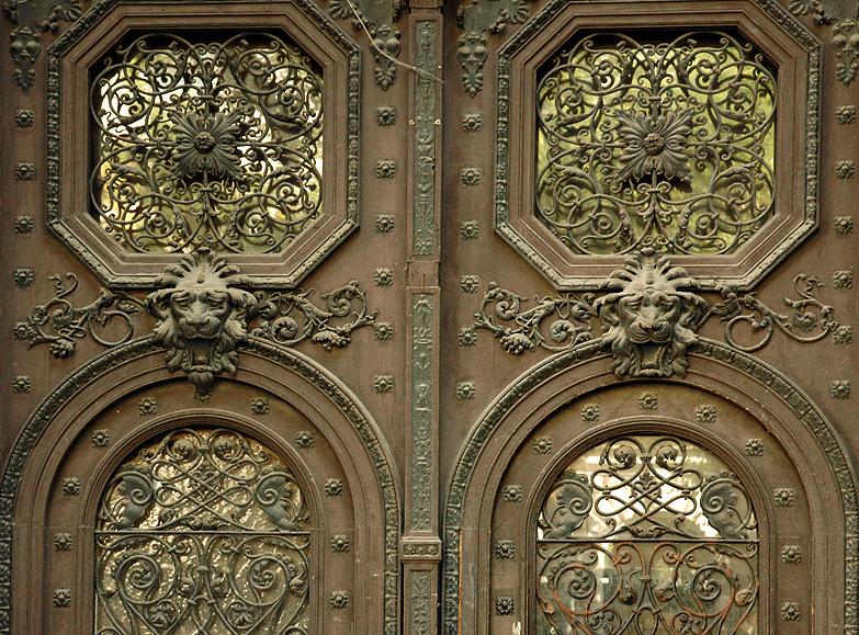 Door in Pest