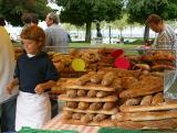 Brotverkauf am Marktstand