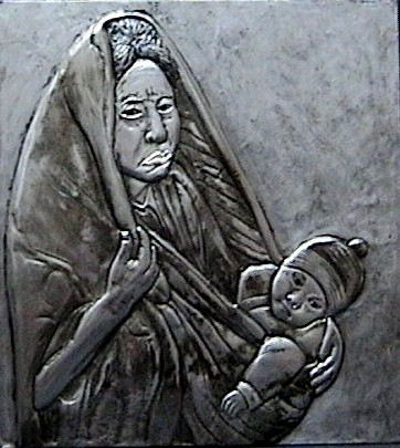 Woman with the baby aluminum 38x30cm.