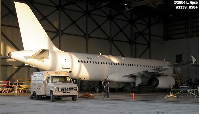 International Lease Finance Corporation A320-232 N381LF aviation photo #1339