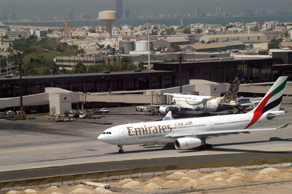 Emirates A330 taxiing at Bahrain