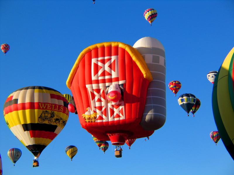 Barn-Balloon.jpg