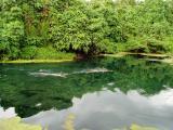 balade dans la rivière du blue hole