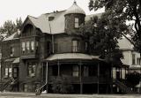 Old house sepia.jpg(465)