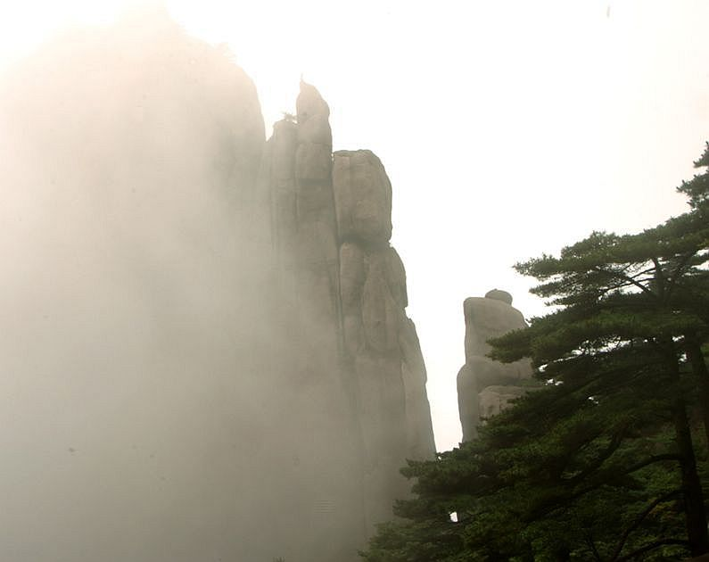 Rock in the mist(3)