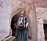 07_trogladyte-lady-in-her-cave.jpg