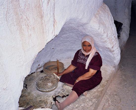 06_trogladyte-cave-working.jpg