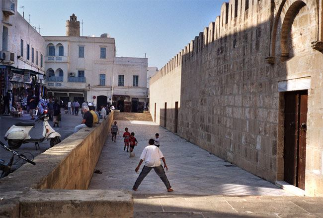 Kids playing football in the Medina, Sousee