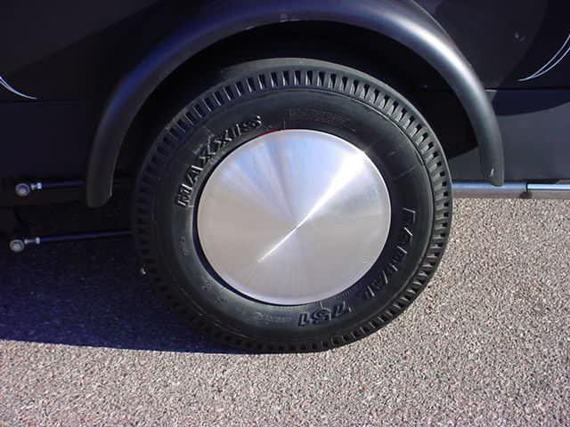 1934 Ford wheel