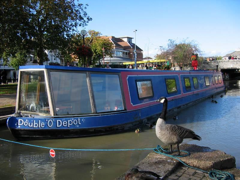 Goose & barge