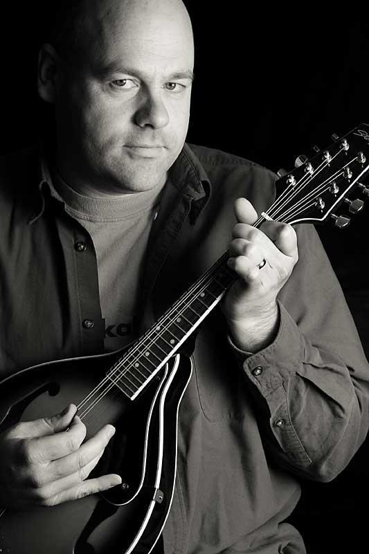 Oct 06: The mandolin player