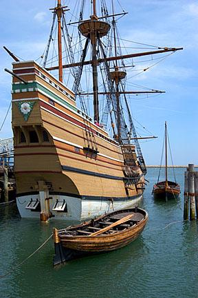 Mayflower II and Shallup_4002.jpg