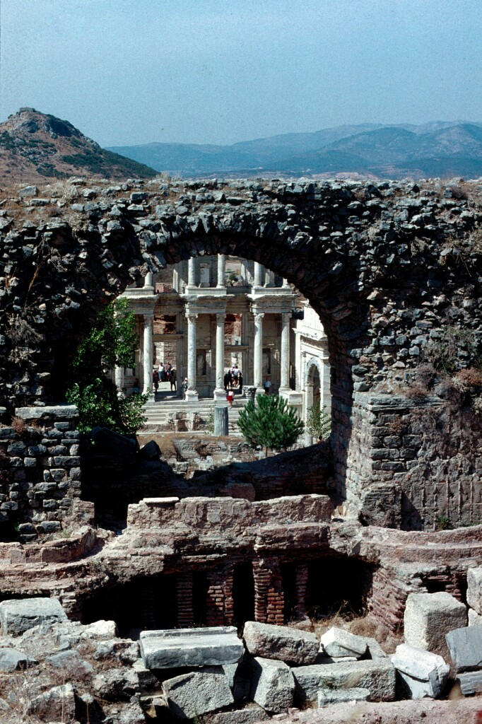 Efes Celsus library from theatre
