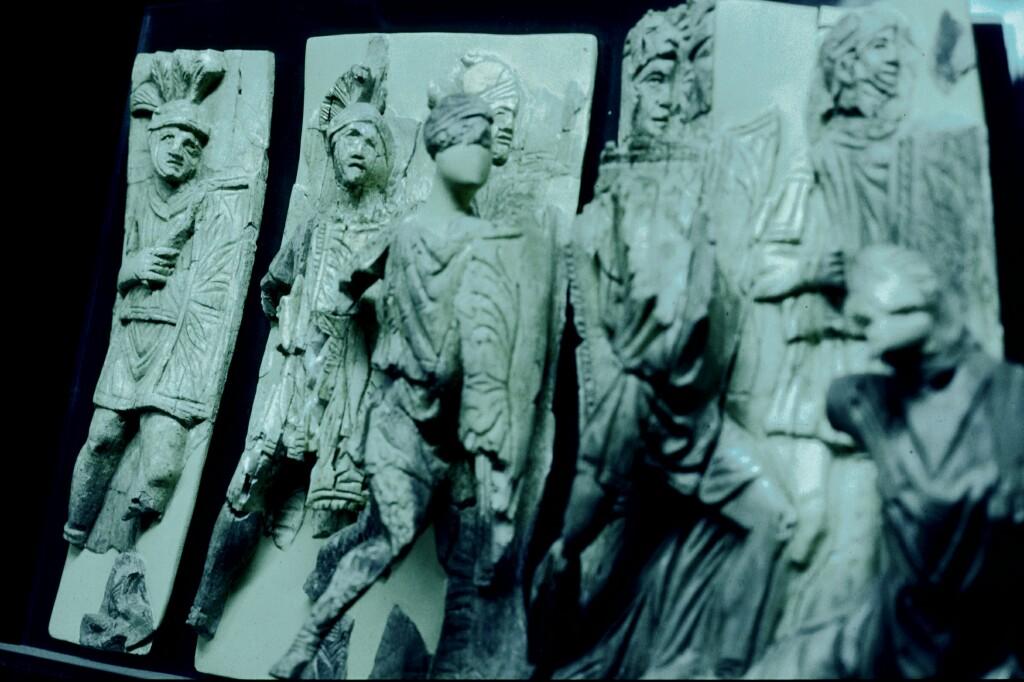 Efes mus Roman ivory work