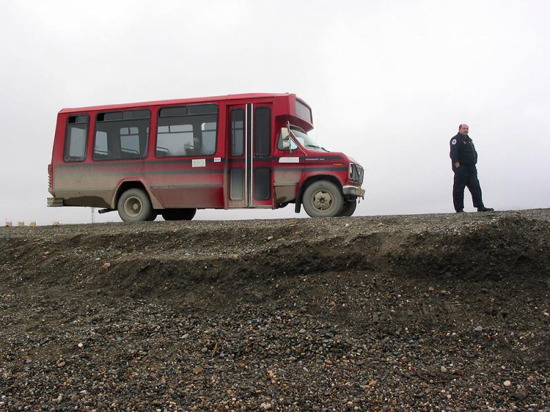 Arctic Ocean tour bus
