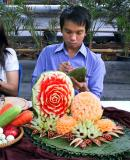 Carving fruits and vegetables