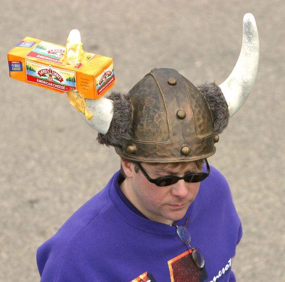 02 Cheese on the horn.jpg