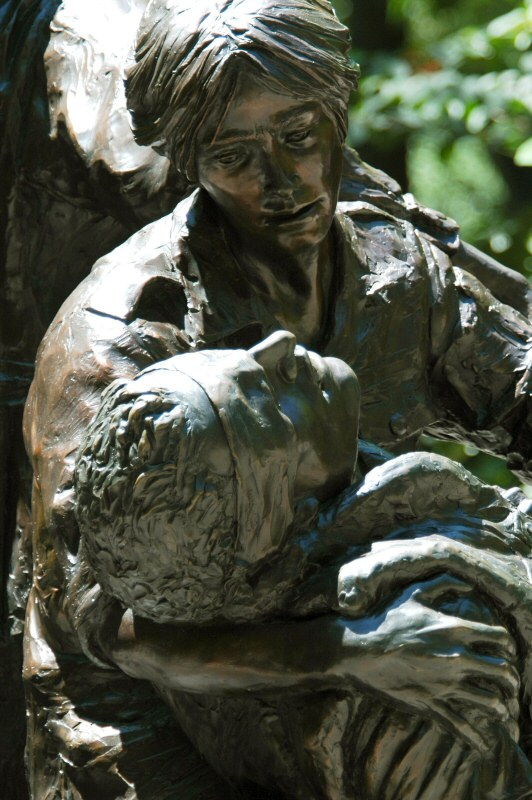 Vietnam War Nurse Memorial 8743