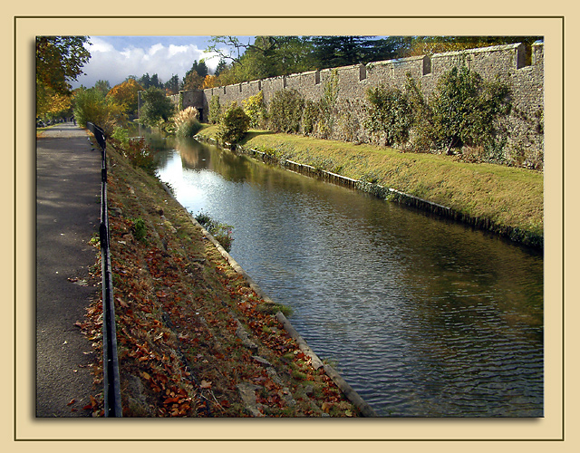 Moat around the Bishops Palace, Wells