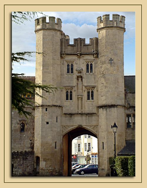 Castellated entranceway, Wells