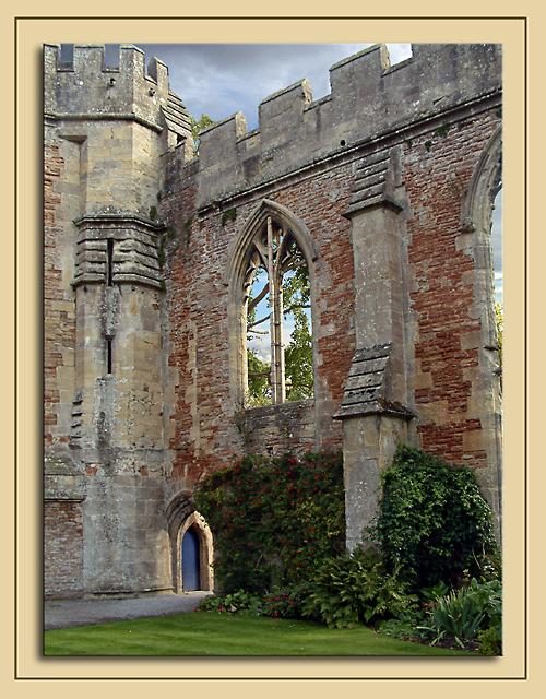 Ruins and door, Palace grounds, Wells