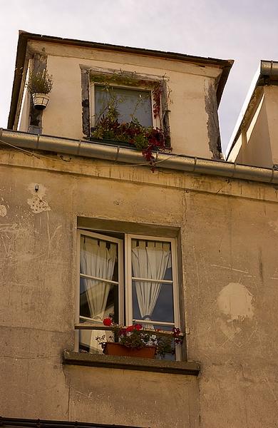 montmartre window