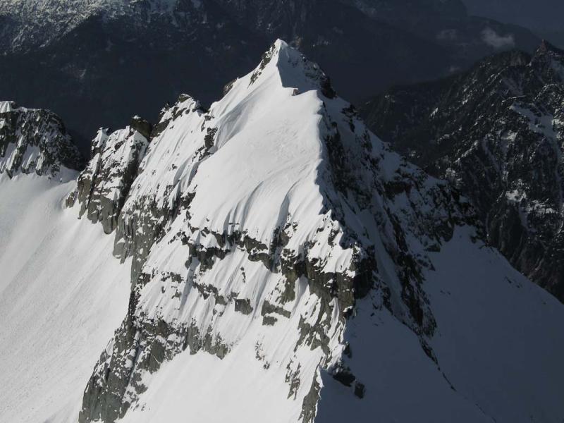 Columbia N Ridge (Columbia030505-02adj.jpg)