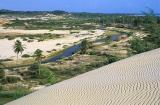 Barra do Cauípe com dunas no primeiro plano