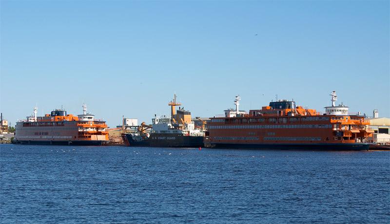 two staten island ferrys