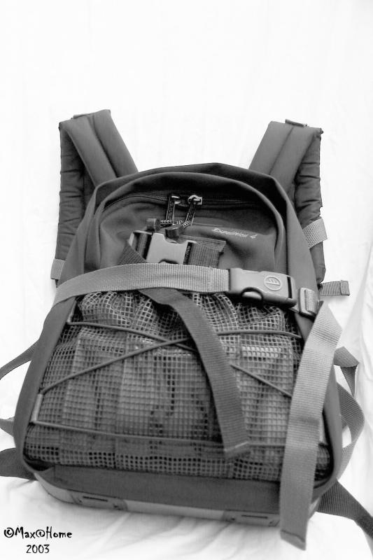 10 - Digi Tool 01 - Tamrac Expedition 4 fully packed.jpg
