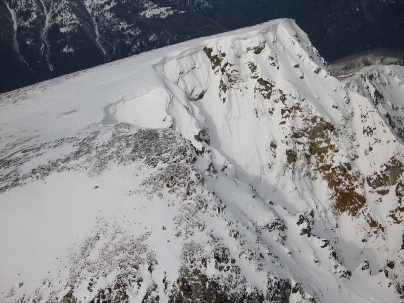 Ptarmigan, Summit Ridge Cornices (PtarmiganPk020905-17adj.jpg)