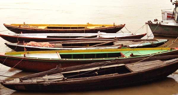 Boats-on-Ganges