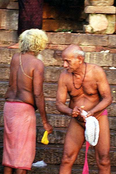 Old-men-washing