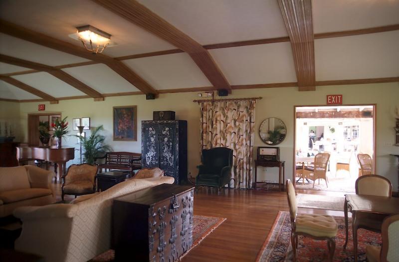 37N-32-Former Living Room Museum