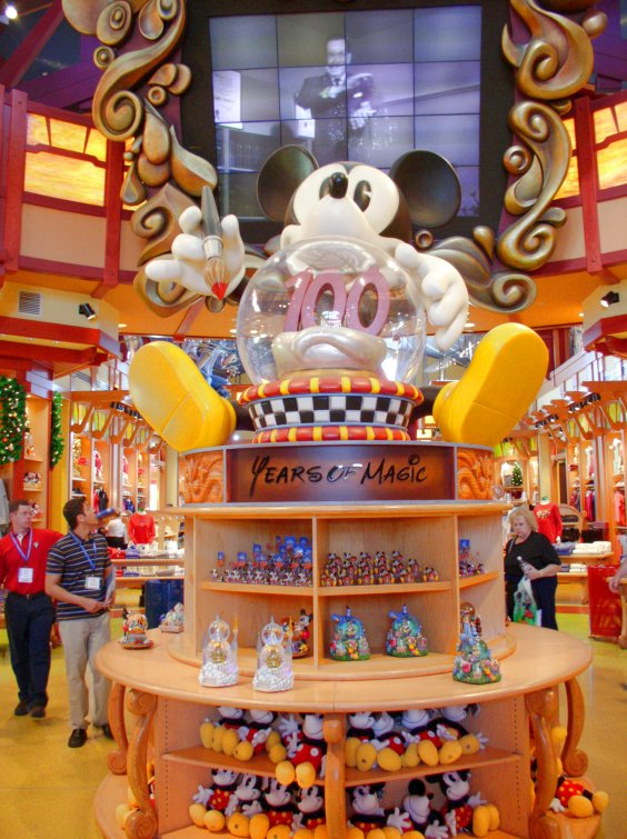 Disney Store, Downtown Disney