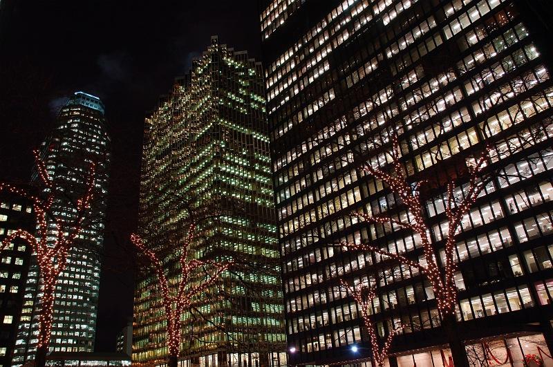 Toronto financial towers at night.jpg