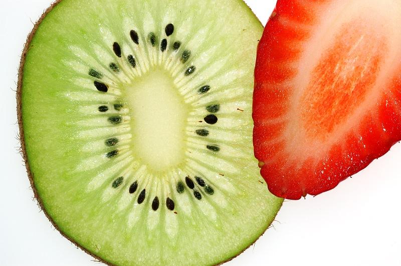 Slice of Kiwi and strawberry.jpg