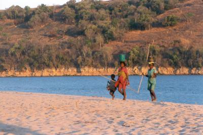 Carrying water, Tsiribina River, published on educational CD
